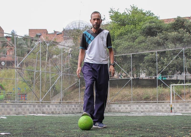 Antonio Rave, cuando el fútbol es una excusa para formar en valores - Itagüí Hoy