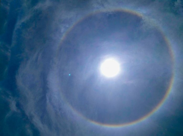 Halo Solar Fenomeno Meteorologico En El Cielo De Itagui Itagui Hoy Noticias De Itagui